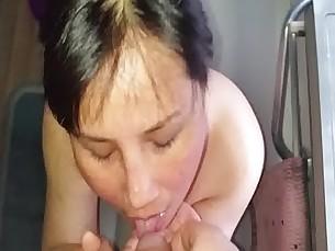 Thai Hooker Sonya drinks piss