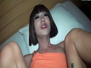 Ladyboy gets asshole fingered and gives oral
