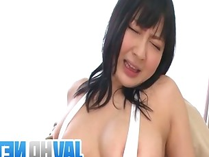Busty Megumi Haruka shows off nasty in raw oral