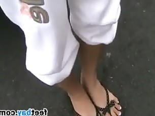 Asian Girls Preety Feet And Lengthy Toes